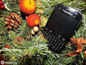 Christmas bargain - the BlackBerry 9720 drops in price in the UK