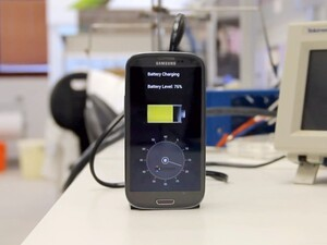 StoreDot's Nanodot bio-organic nanochrystals will charge you phone in 30 seconds flat… in 2016