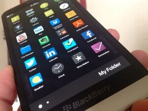 Endless Folders are coming to BlackBerry OS 10.3