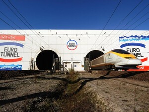 North Eurotunnel now has Vodafone and EE service