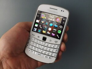 The BlackBerry Bold 9900 makes a return to ShopBlackBerry in North America