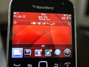 I switched from BlackBerry 10 to BlackBerry 7 and survived!