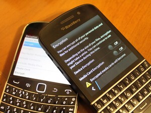 How do I encrypt files on BlackBerry 10?