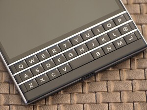 AT&T will have BlackBerry Passport US exclusive… someday