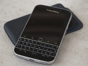 Carphone Warehouse now offering the BlackBerry Classic