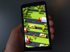 Get Crossy Road on BlackBerry 10