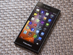 BlackBerry Leap arrives in the Philippines May 30th with special offers from Globe Telecom