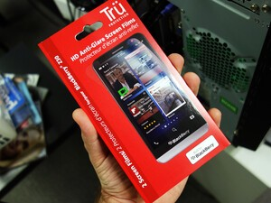 Save 40% today on BlackBerry Z30 screen protectors