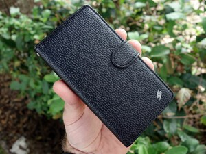 Save 45% today on Amzer flip cases for BlackBerry Z30