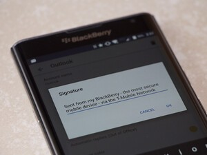 How to create an email signature on the BlackBerry Priv