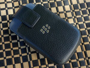 Save 78% on BlackBerry leather holsters for Q10