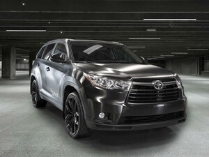 Inside the QNX Toyota Highlander at CES 2016