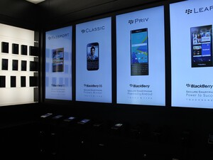 BlackBerry offers big savings at its New York pop-up store