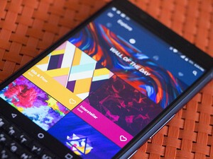 CrackBerry Poll: Do you use a wallpaper app?