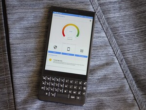 BlackBerry DTEK app gets a refreshed UI and new features!