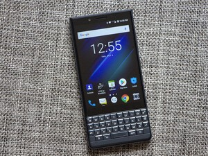 Save $100 off the BlackBerry KEY2 LE at Bell, Rogers, and Telus!