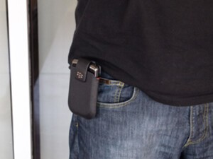 How Do You Use Your BlackBerry: How do you carry your device?