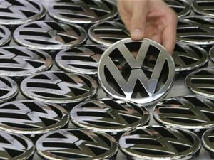 Volkswagen stops employee email to BlackBerry smartphones after work hours
