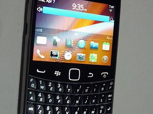New BlackBerry Bold Touch hands-on photos