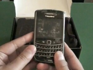 Verizon BlackBerry Bold 9650 unboxing [video]