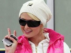 """Paris Hilton Has A Serious """"Butter Fingers"""" Problem"""