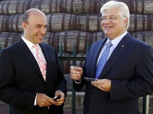Balsillie and Lazaridis to receive nearly $12 million in parting gifts
