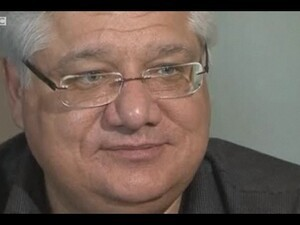 RIM co-CEO Mike Lazaridis walks off of BBC interview