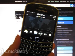 Phazer Theme by HedoneDesign brings a simple and classic look to your BlackBerry device