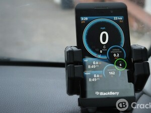 Keep one eye on your speed with Ulysse Speedometer and its HUD mode