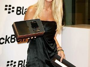 Celebrity BlackBerry Sighting - Tara Reid Shows Off Her New BlackBerry Bold 9700