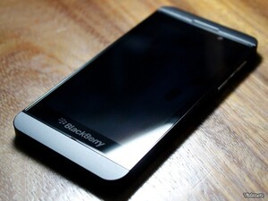 BlackBerry 10 L-Series caught in some glorious new images