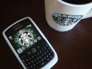 BlackBerry not hipster enough for Starbucks - Mobile Card app being discontinued August 28th