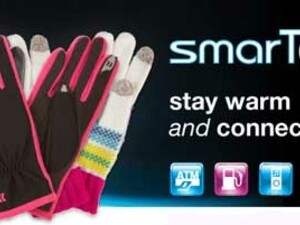 Keep warm and functional with smarTouch gloves by Isotoner