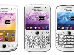 Phones 4 U offers three white BlackBerry 7 smartphones on pre-order