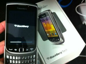 BlackBerry Torch 9810 units arriving at T-Mobile locations, Nov 9th launch still a go?