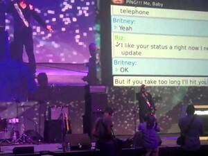 Riz performs Ping Me Baby live from the DevCon10 [video]