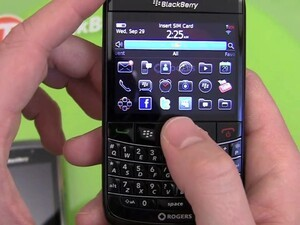 BlackBerry Bold 9780 Video Unboxing and First Impressions!