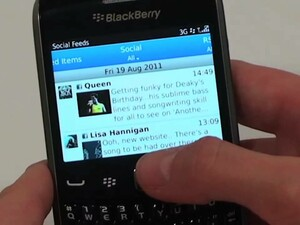 Vodafone UK demos the BlackBerry Curve 9360 for us all in a sneak peek video