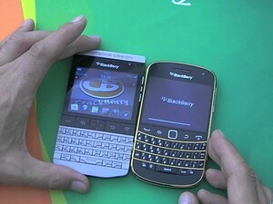 Hands on with the limited edition Gold BlackBerry Bold 9900