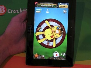 Use your skills to kill the flies with Throw The Knife for the BlackBerry PlayBook