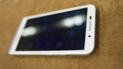 White BlackBerry Z30