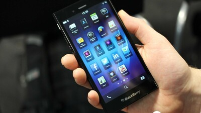 BlackBerry Z3 strolls into the FCC seeking approval