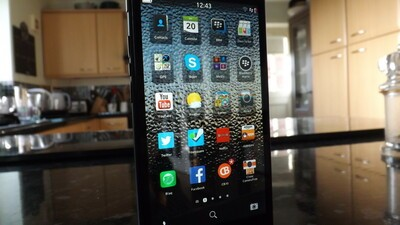 BlackBerry-Z3-Hero