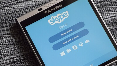 Skype offering free calls to France following violence in Paris