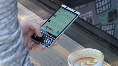 The BlackBerry #KEYone is #WorthTheWait Giveaway! [Winners Announced]
