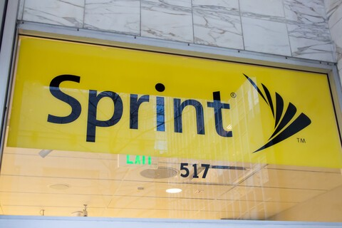 Sprint reports Q2 operating loss of $192 million