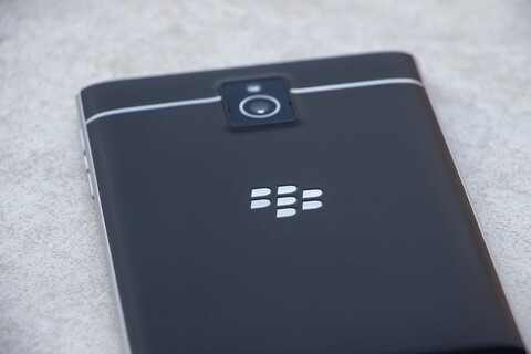 Here's how you disassemble a BlackBerry Passport
