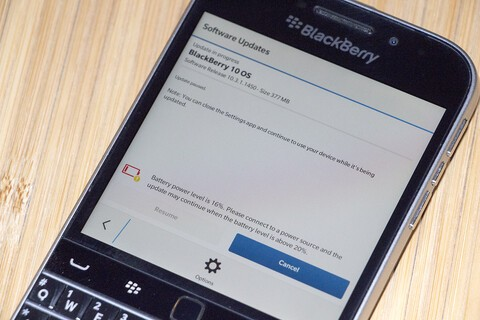 Some BlackBerry Classic owners on Rogers receiving OS 10.3.1.2072