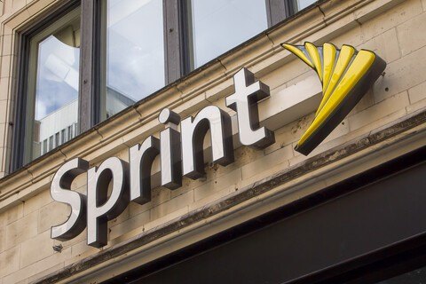 Sprint teams up with Boingo to provide free Wifi to customers at airports across the U.S.