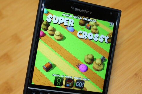 Get endless hours of arcade hopping fun with Super Crossy